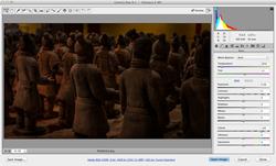 CameraRaw_Statues